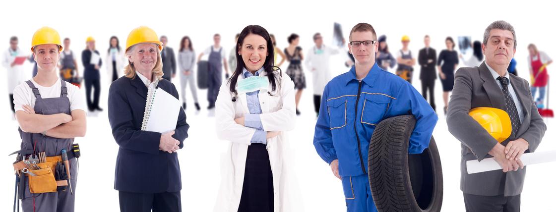 Photo montrant des salariés de sexes différents et exerçant des métiers très différents